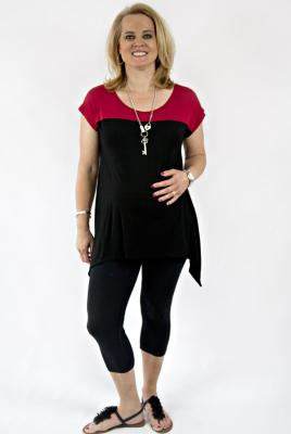 Plus size contrast yoke top and 3/4 leggings