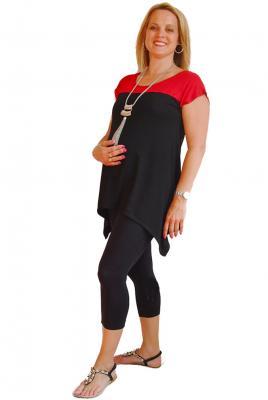 Plus size contrast yoke top and 3/4 leggings