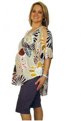 Plus size print top with split sleeeves